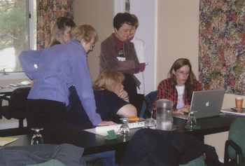 Mentor Laurie Halse Anderson (r) speaks to attendees at the 2007 Whispering Pines